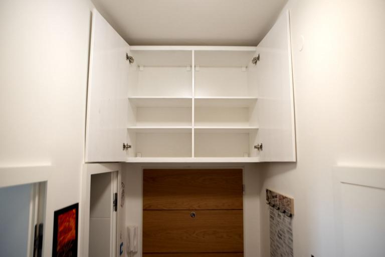 Botnik-nad-dvermi-otevreny