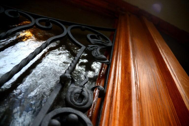 detail mriz upr truhlář, nábytek na míru, renovace